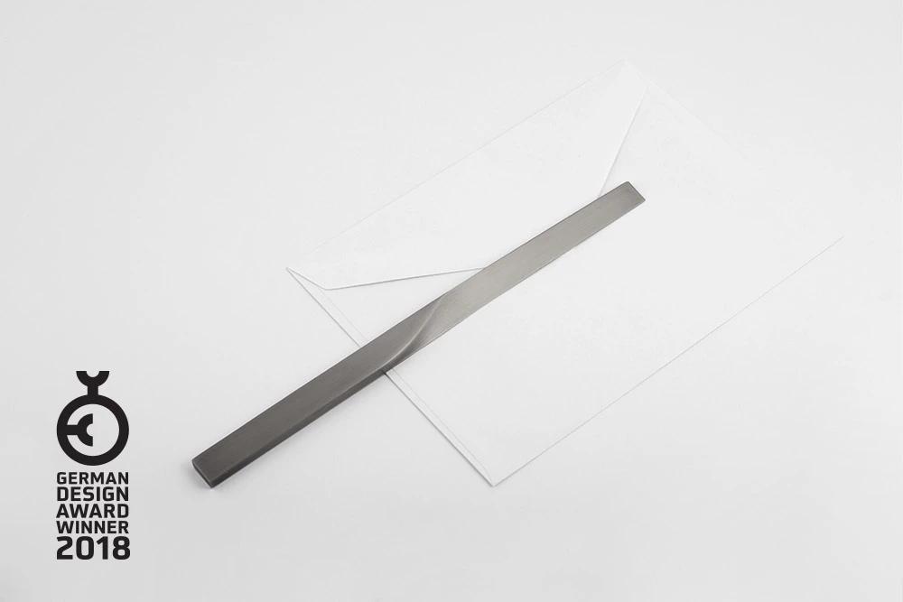 Curve-Letter-opener
