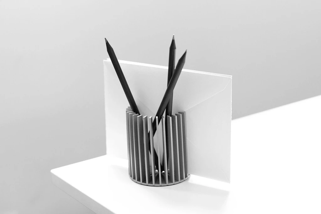 SUNRAY-pencil-holder